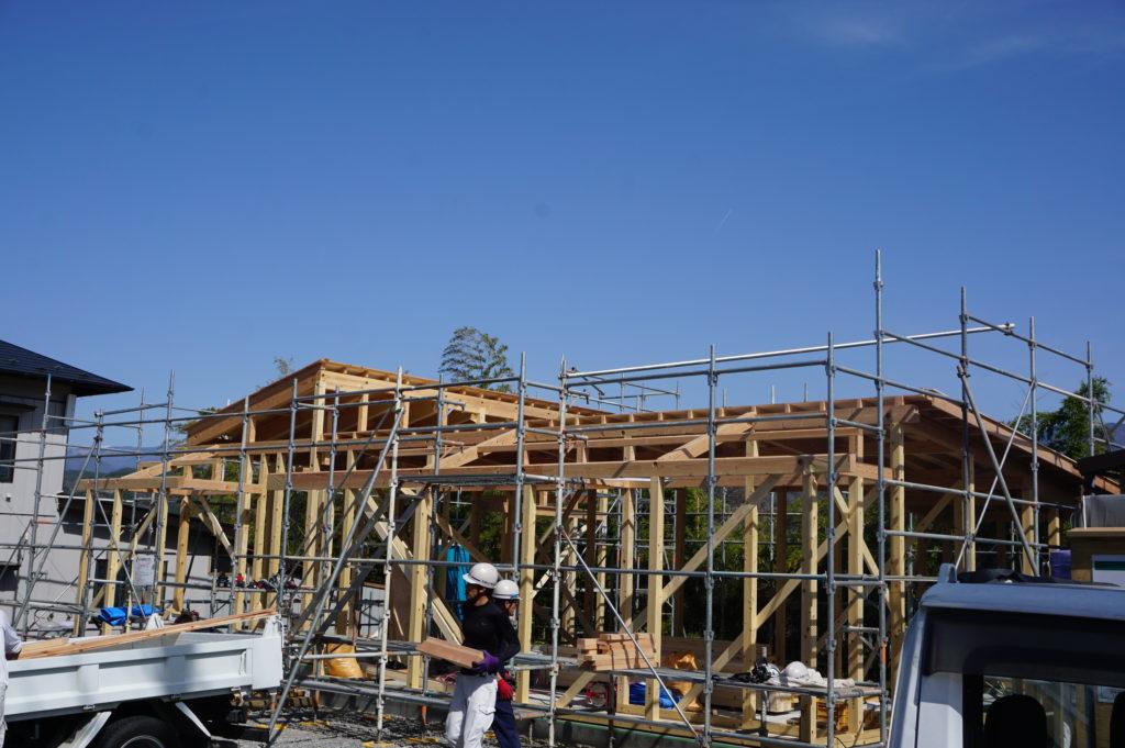 建て方始まりました