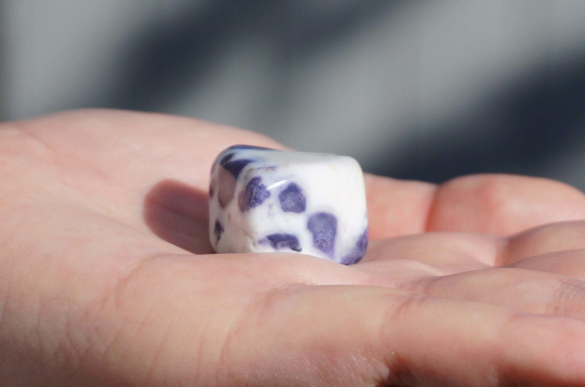 morado-opal-tanble01