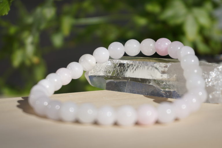 pink-hemimorphite-bracelet01