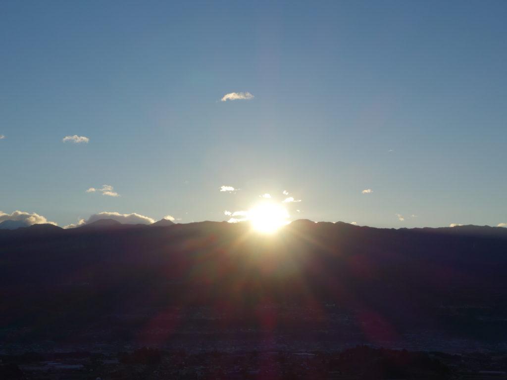 南アルプス小河内岳から上がる初日の出