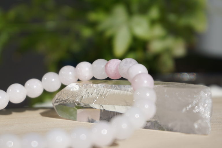 pink-hemimorphite-bracelet02