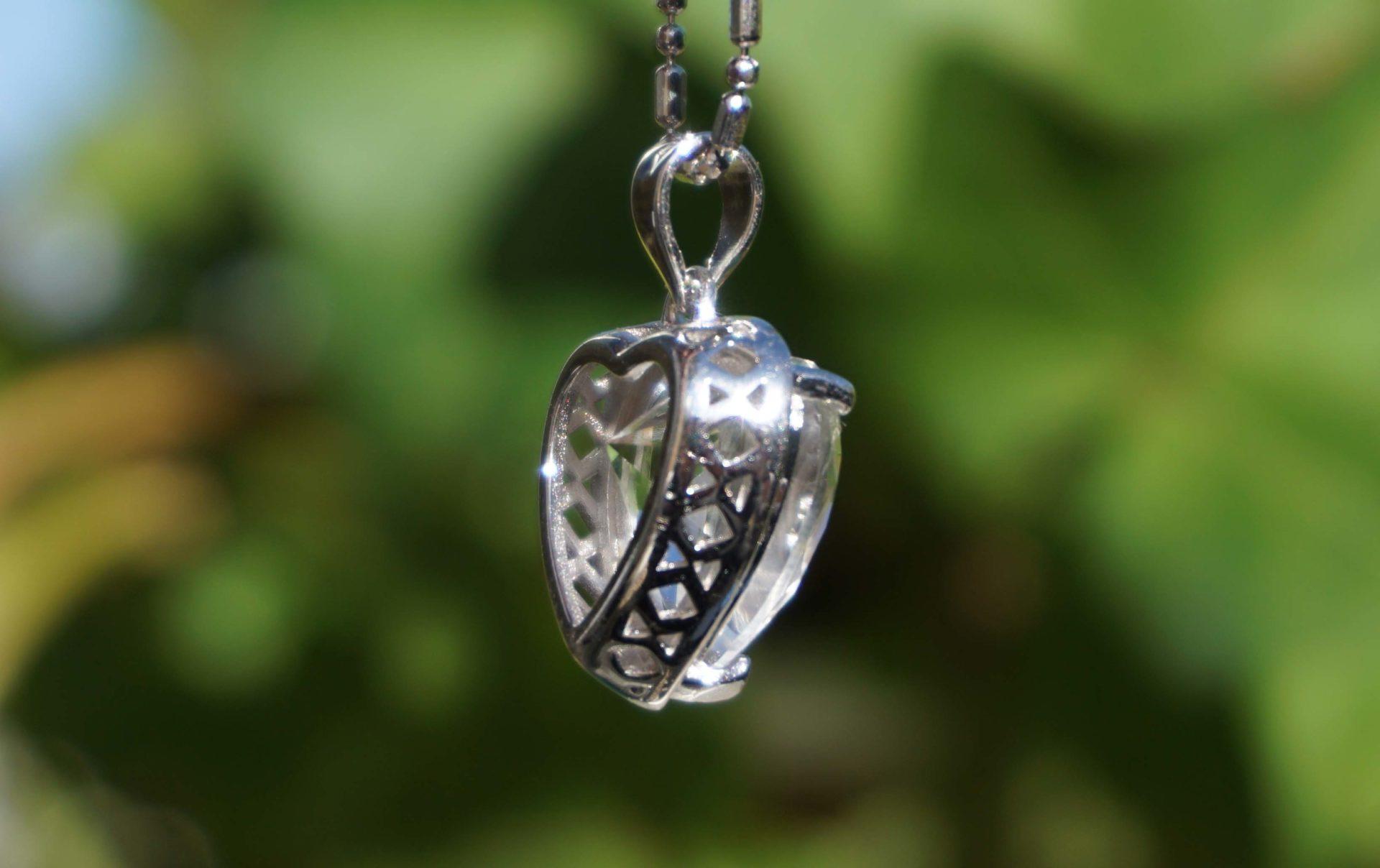 sentient-plasma-crystal-pendant02