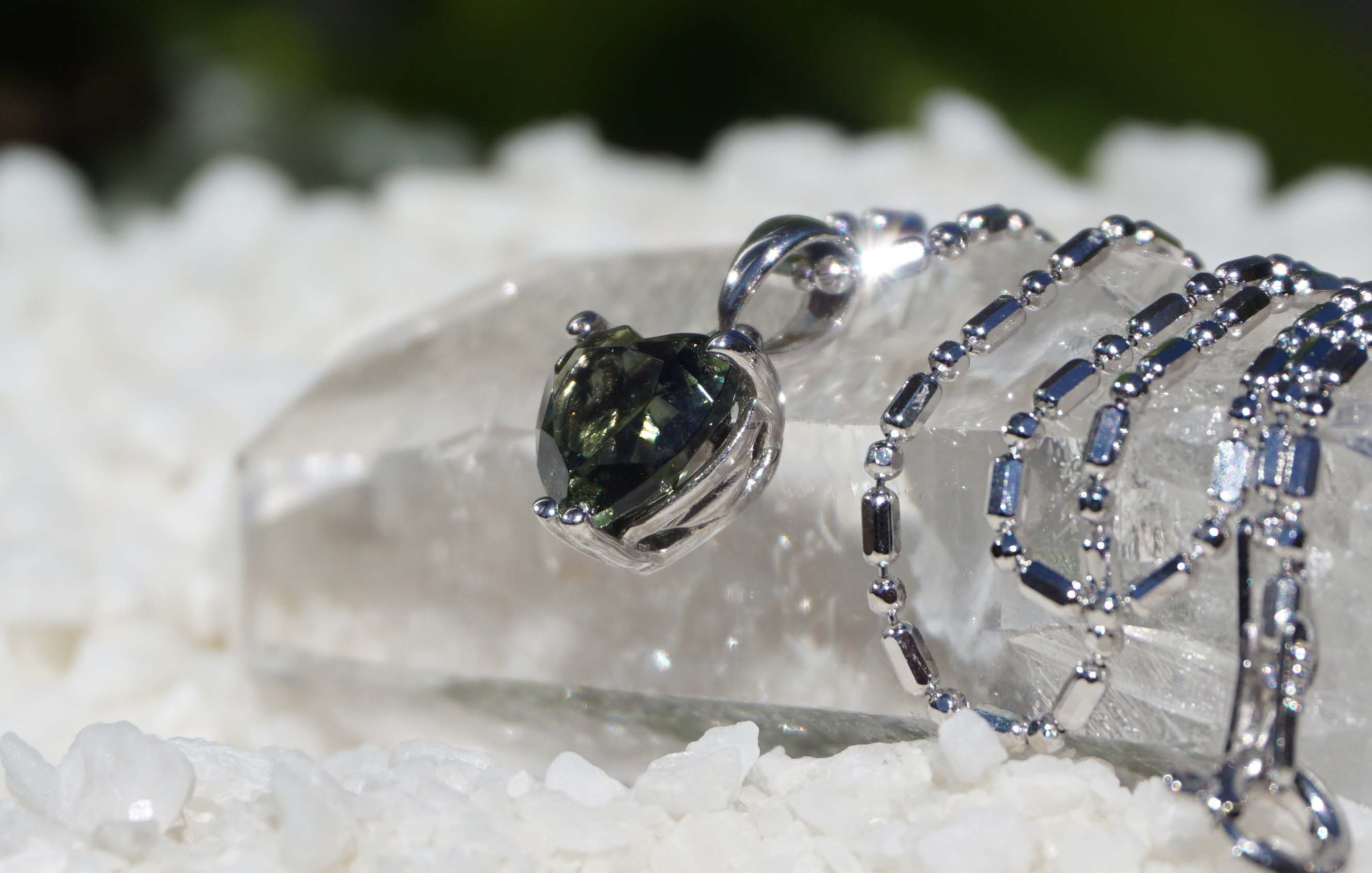 moldavite-pendant-top01