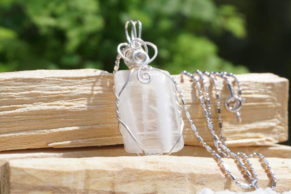 whiteseed-in-quartz02