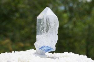 dumortierite-in-quartz01