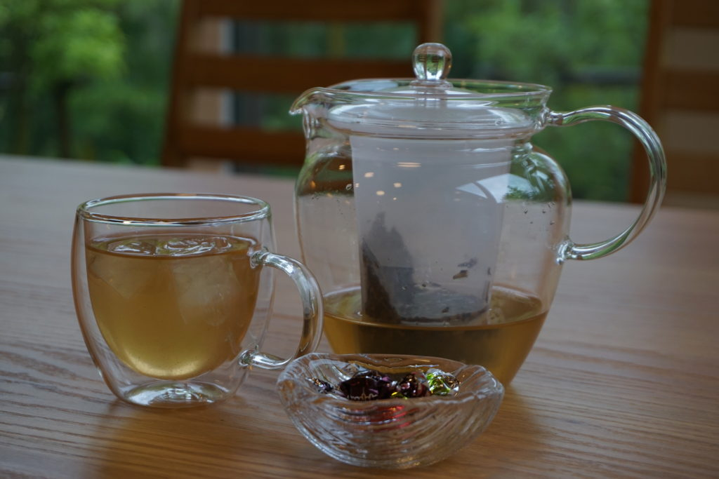 「焙じ茶+ジンジャー(生姜)」玉垣からの風景「夏メニュー追加」しました