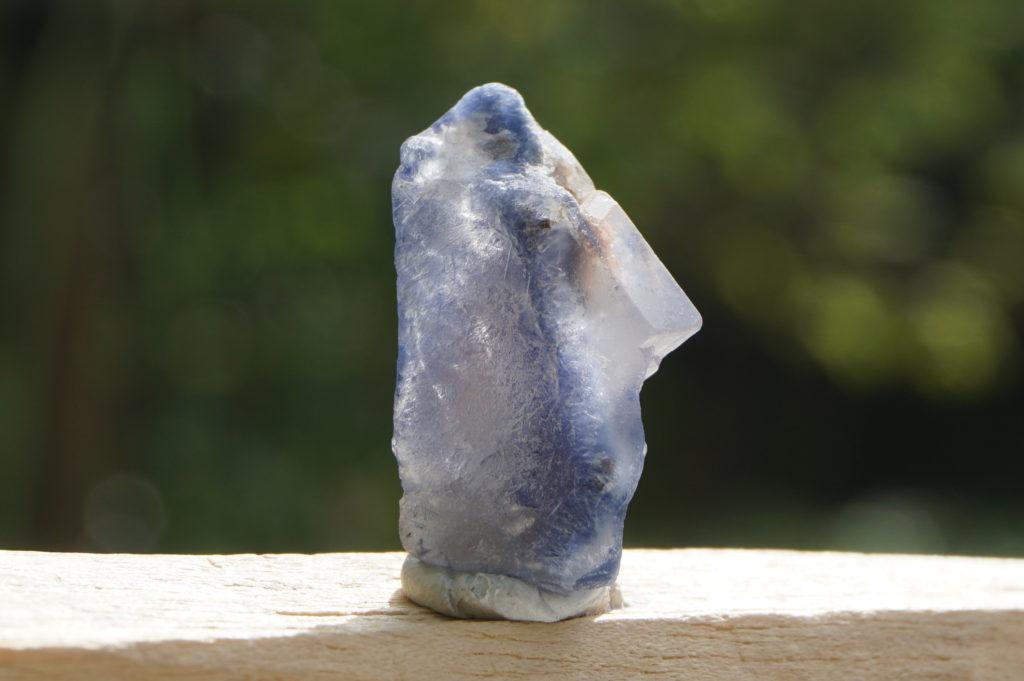 dumortierite-in-quartz05
