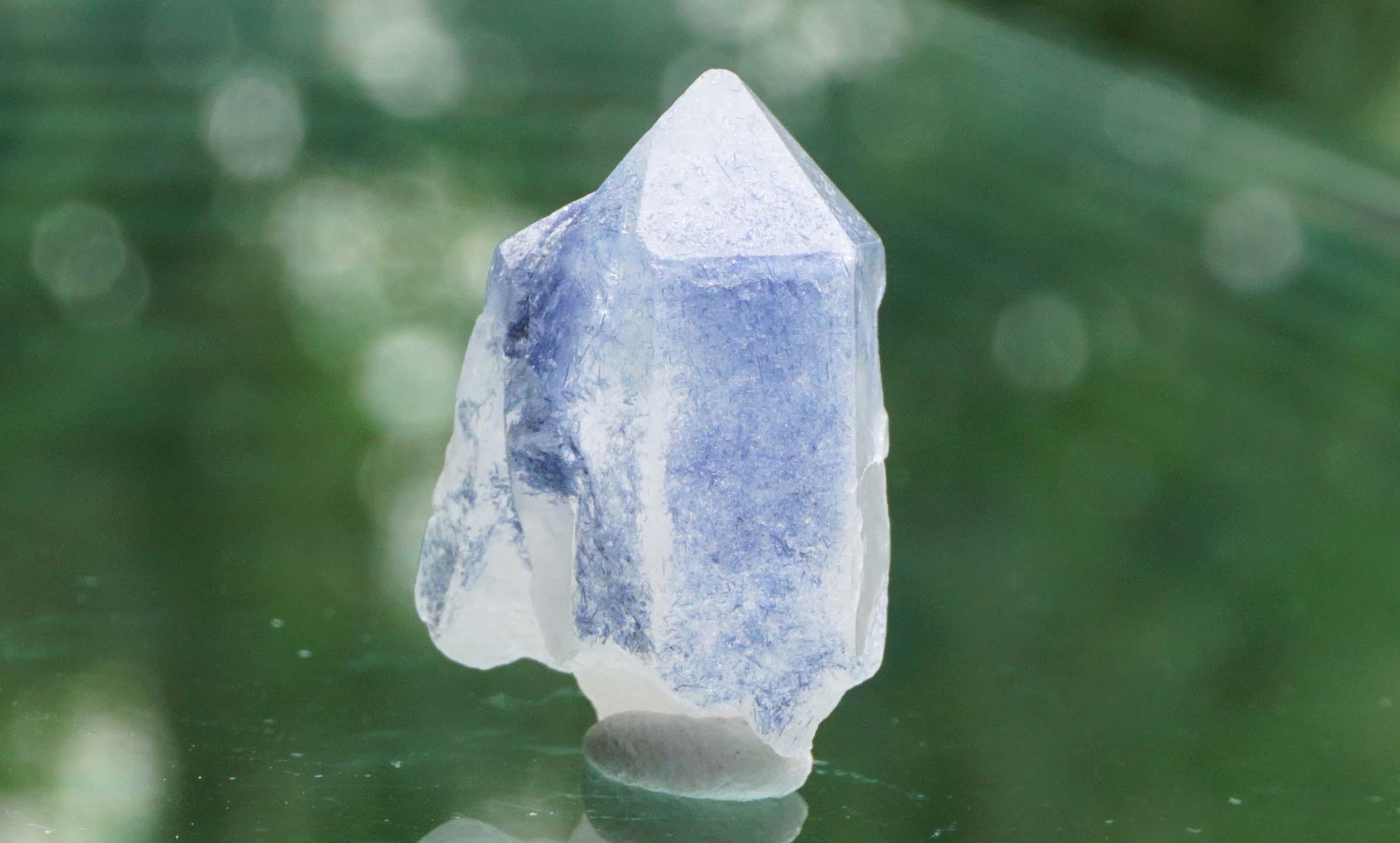 dumortierite-in-quartz07