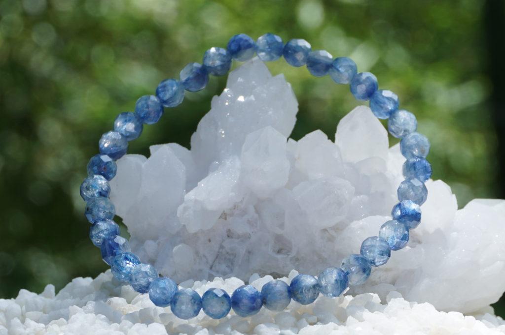 kyanite-bracelet-01-48
