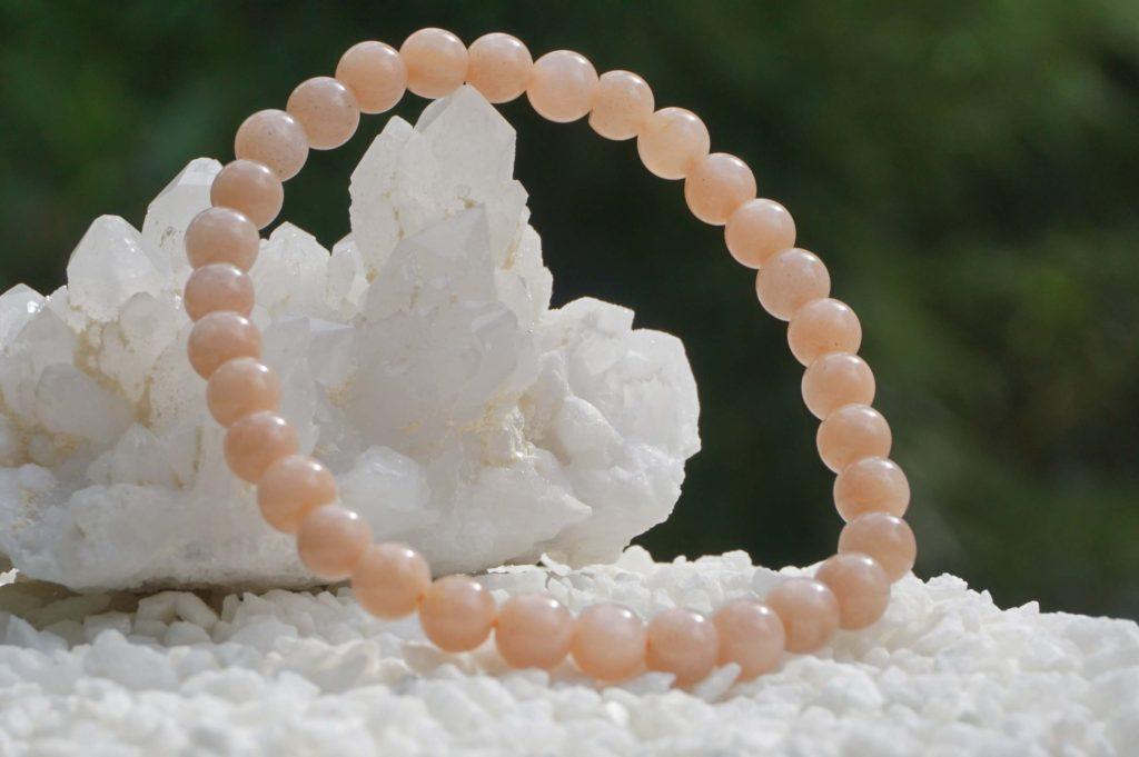 peach-moonstone-bracelet01