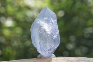 dumortierite-in-quartz08