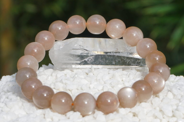peach-moonstone-bracelet02-16
