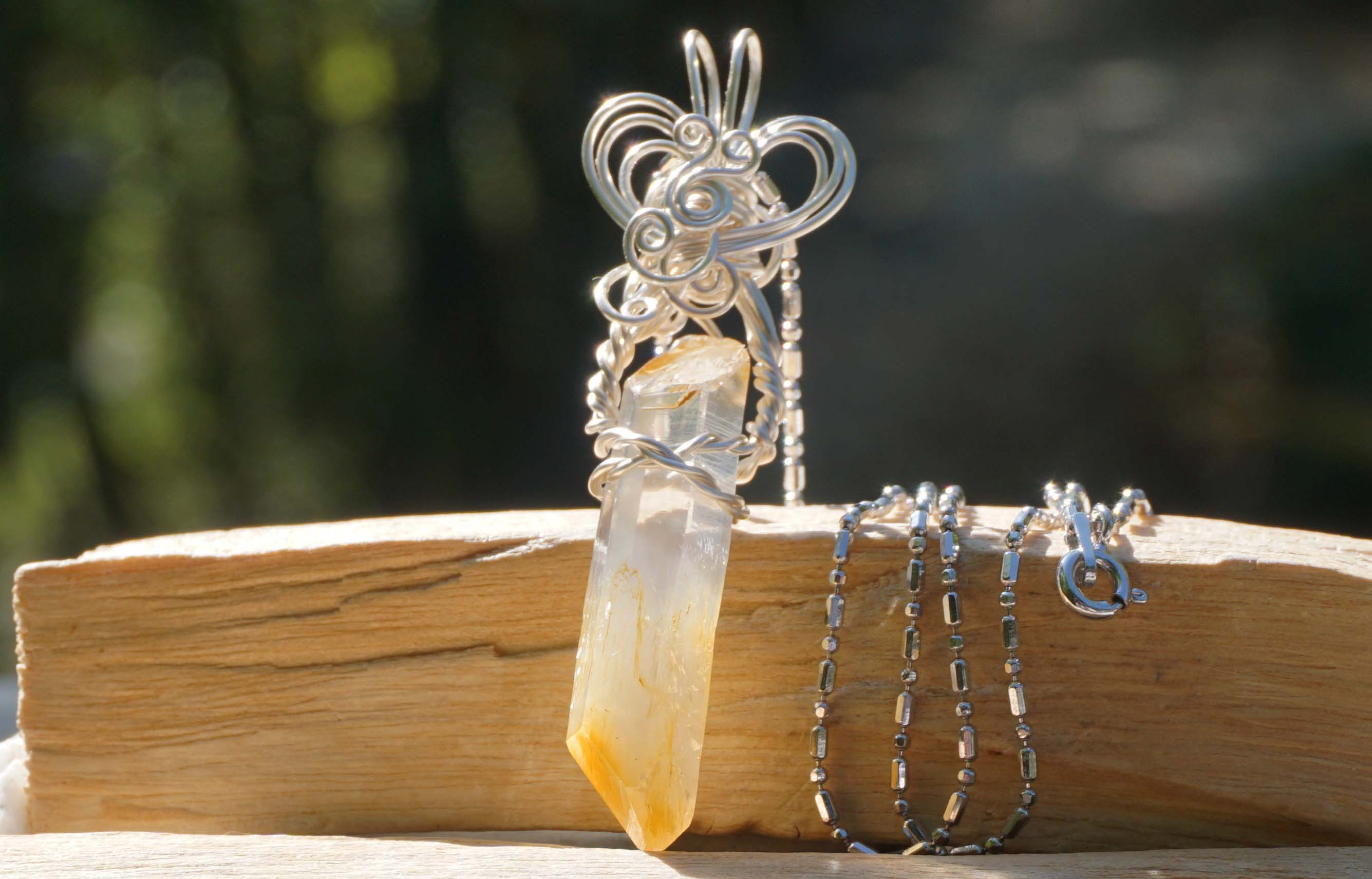 mango quartz-pendant-top02