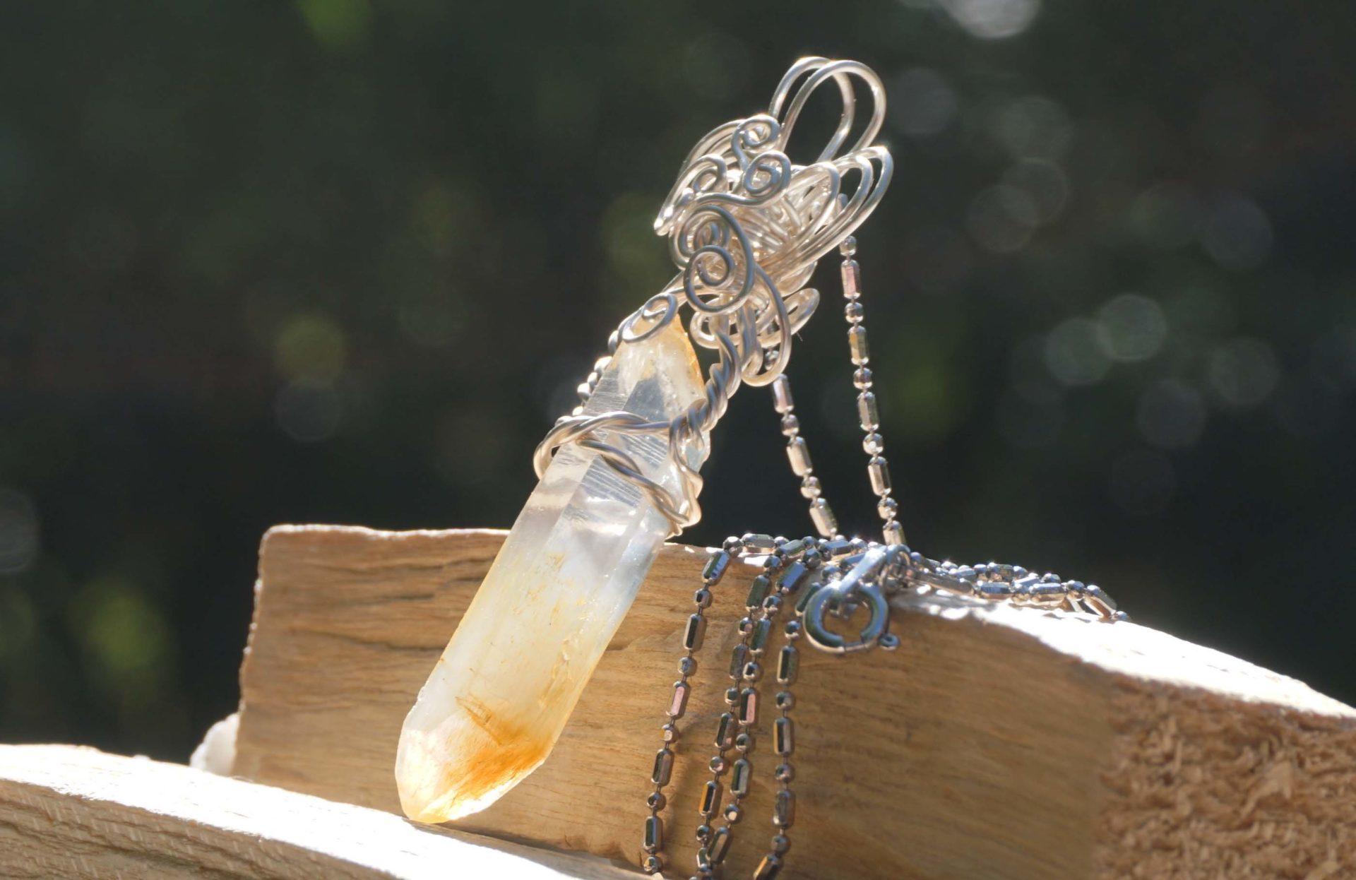 mango quartz-pendant-top02