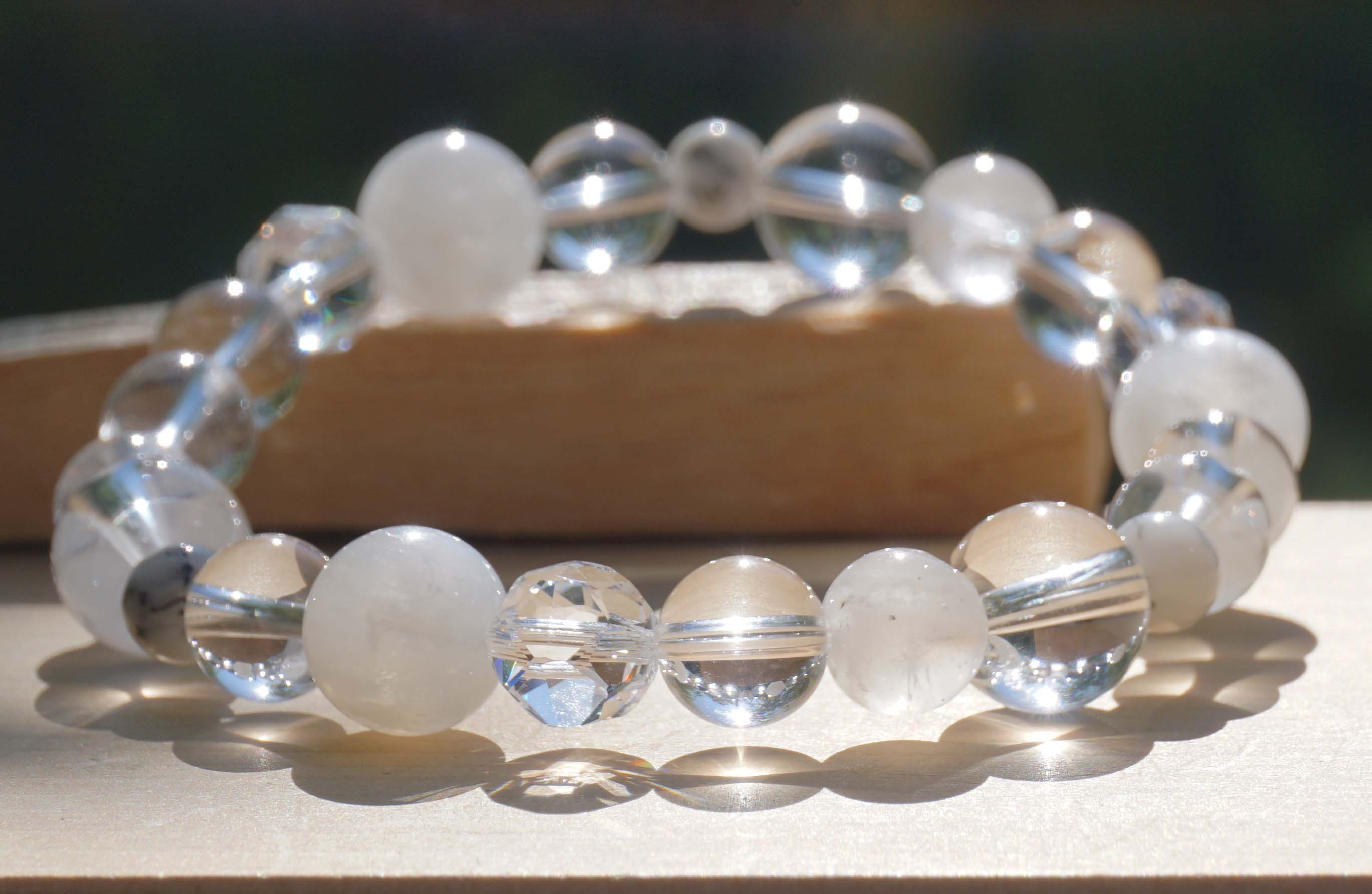 white-wizard-bracelet02