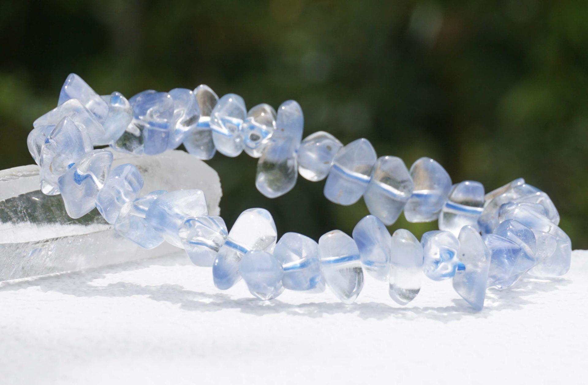 dumortierite-in-quartz-bracelet