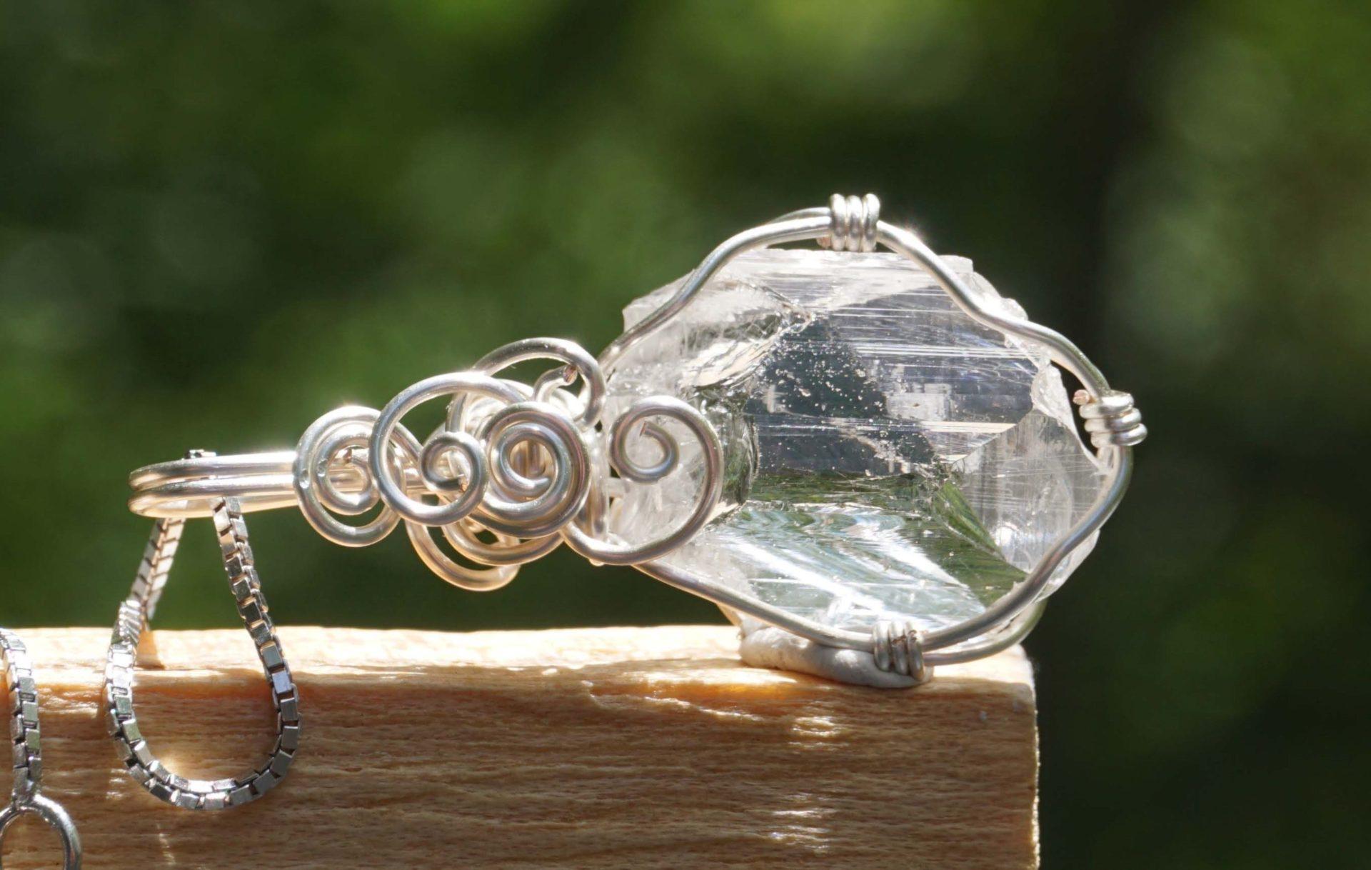 pink-danburite-wire-pendant01