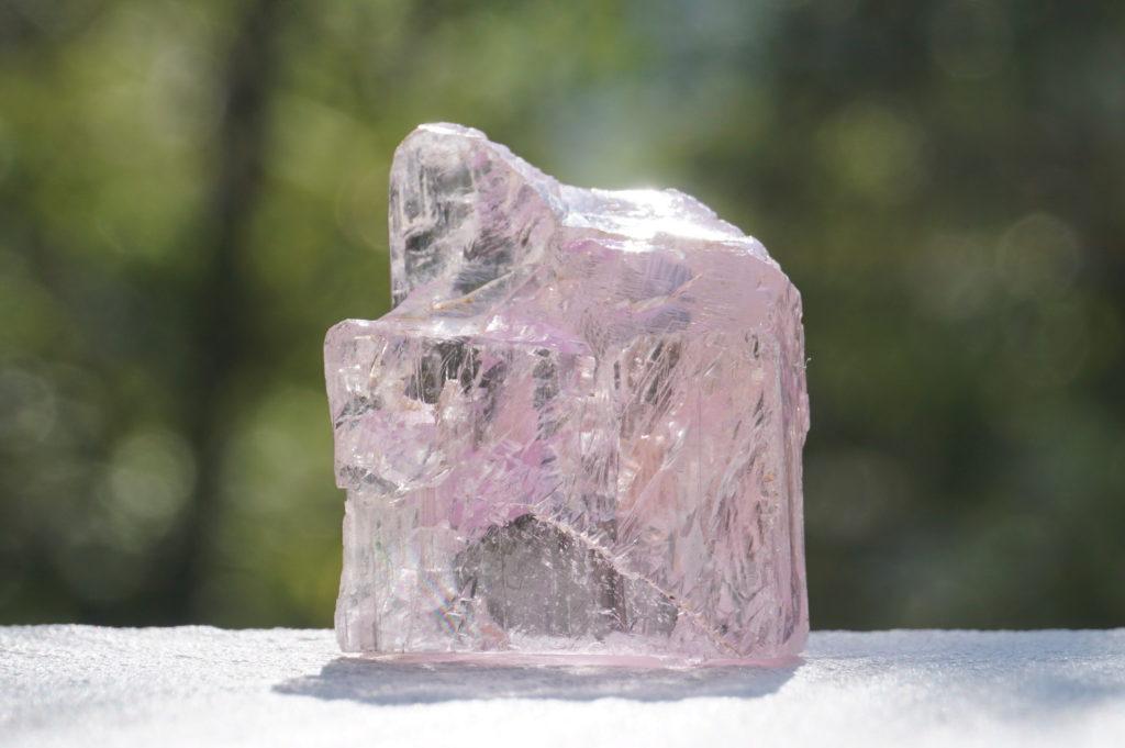 ブラジル産 クンツァイト原石
