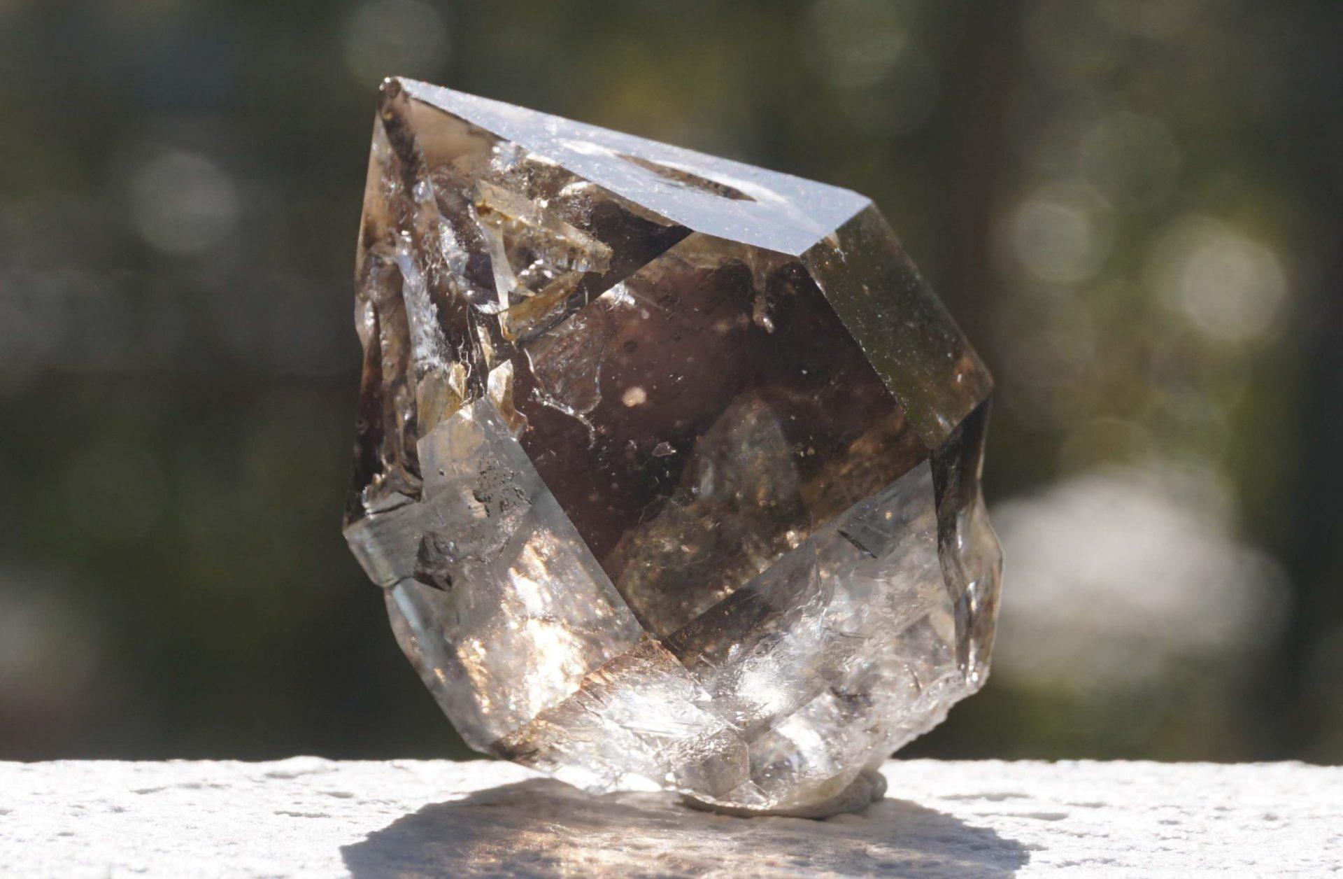 mondo-quartz-smoky04