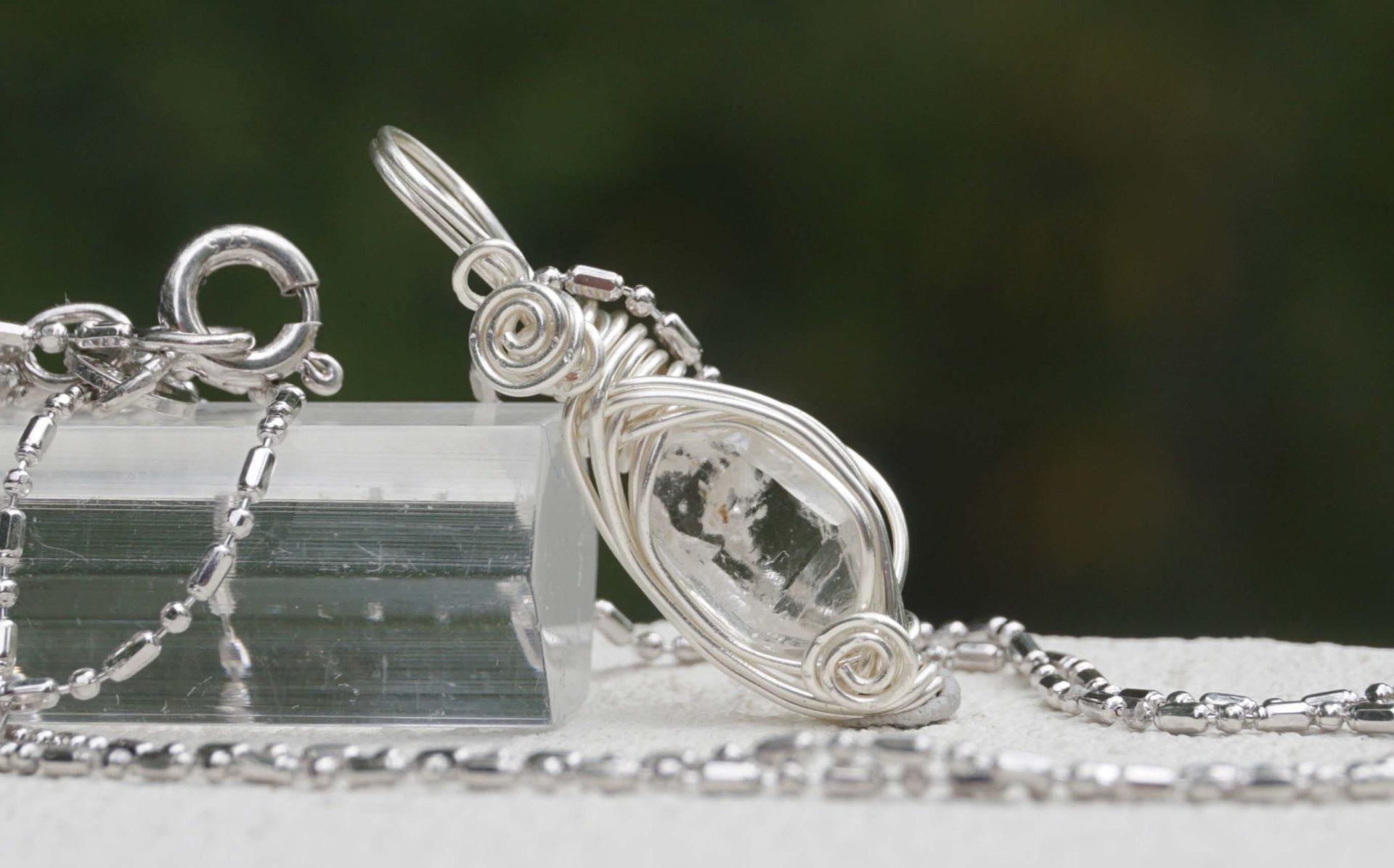 mondo-quartz-wire10